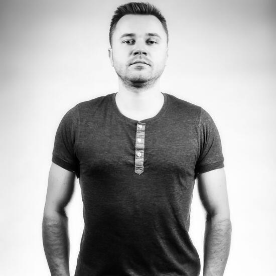 Kamil Januszewski - Specjalista ds. Postprodukcji Telewizyjnej i Filmowej